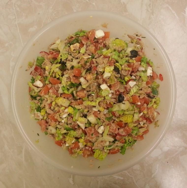 Salades composées_niçoise-laitue_wp