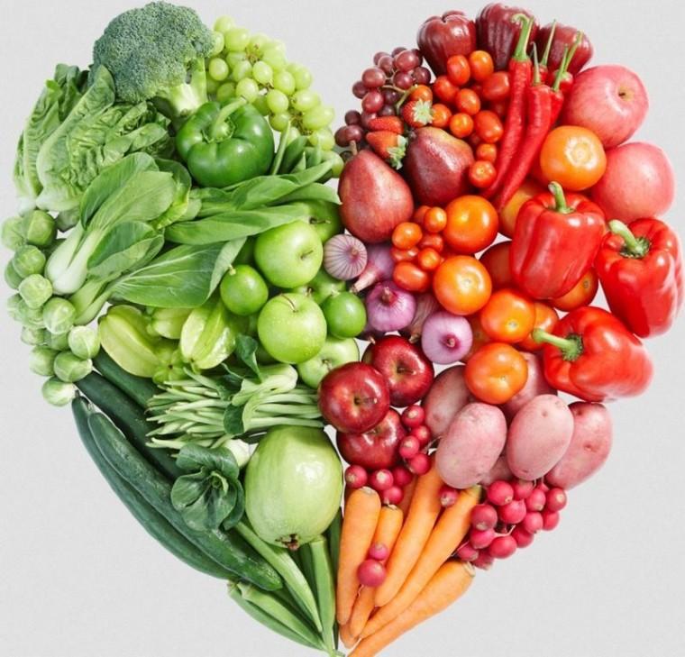 Les fruits et légumes du printemps_forme-coeur_wp