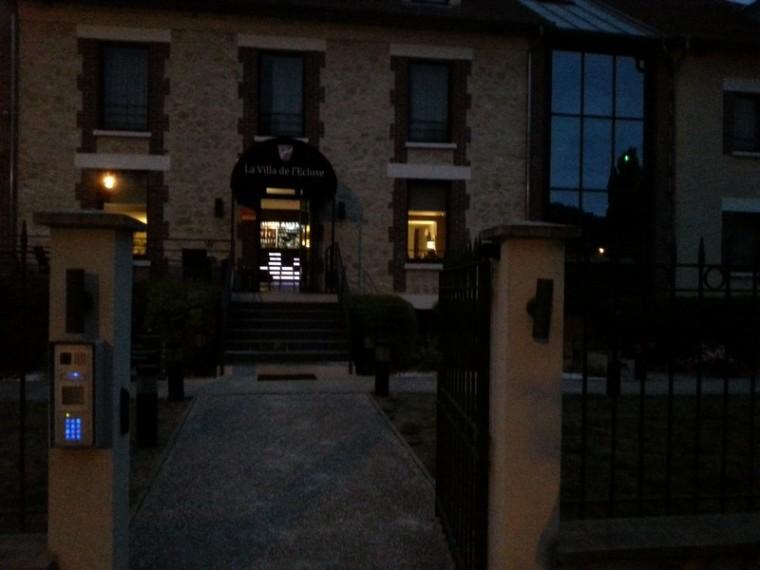 L'Isle-Adam_La Villa de l'Ecluse-hôtel-entrée_wp
