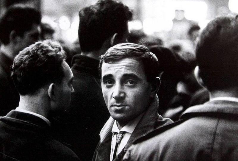 Charles Aznavour_photo-de-Franck Horvat-1957_wp