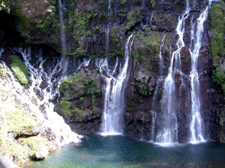 Dimanche Nature_cascade-dans-forêt-chutes_wp