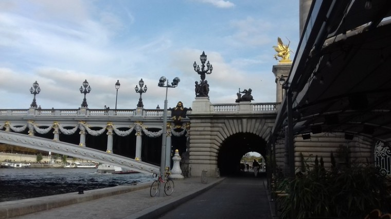 Les bateaux parisiens_pont-Alexandre-III-5_wp